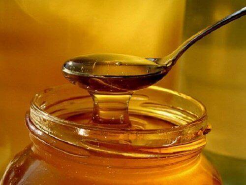 Мед проти кашлю
