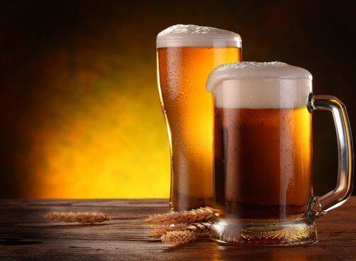 пиво - це напій зроблений з ячменю, солоду та хмелю