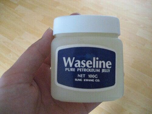 вазелін це засіб для пілінгу шкіри
