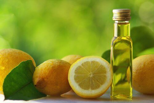 оливкова олія та лимони
