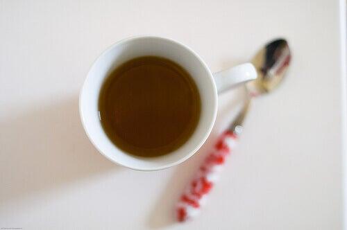 чай допомагає в критичні дні