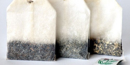 Як повторновикористати чайні пакетики та кавову гущу