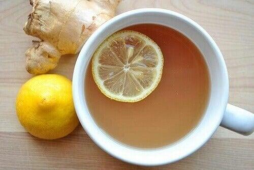 чай з лимоном та імбирем