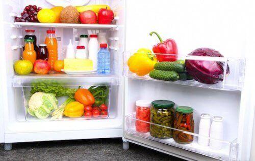 14 продуктів, які завжди потрібно мати вхолодильнику