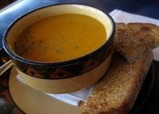 kremovy-morkvyany-sup