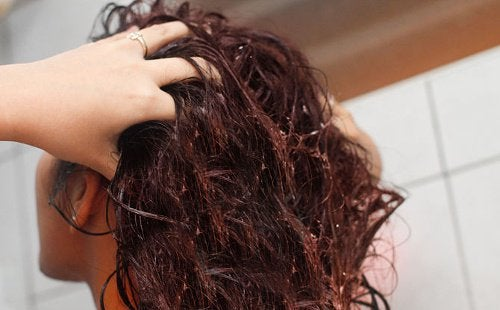 Лляна вода для зміцнення волосся