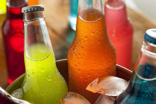 газовані напої в пляшках