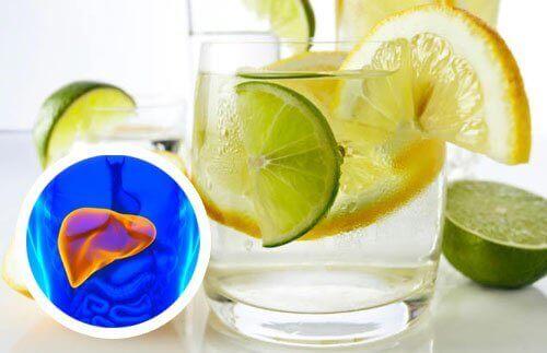 Лимонна вода для серця і печінки