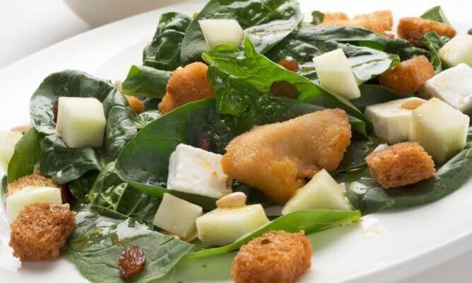 салат з шпинатом