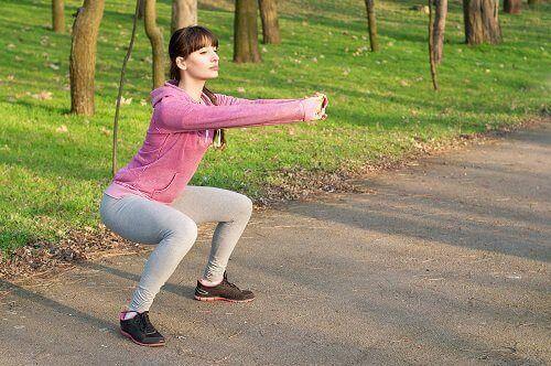 вправи, які допомагають зміцнити сідниці