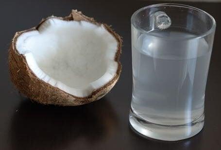 Кокосова вода для користі організму