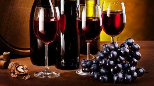 виноград та червоні вина