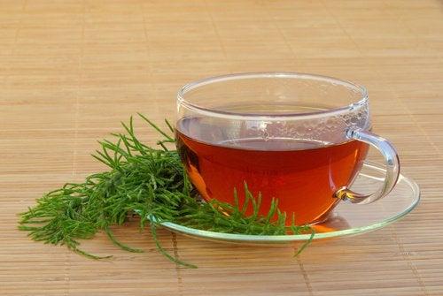 пийте чай якщо у вас затримка рідини