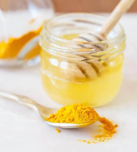 мед від набряклих мигдалин