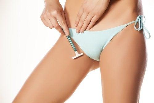 гоління зони бікіні