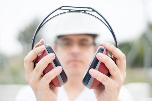 дзвін у вухах можна лікувати природнимчином