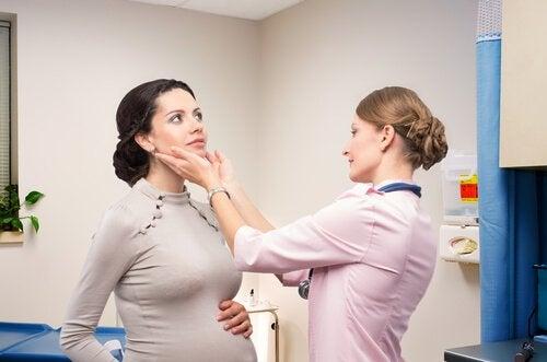 огляд вагітної