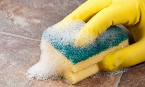Як усунути алергени з оселі під час прибирання