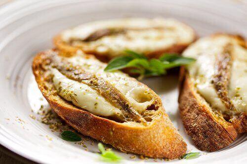 хліб з сардинами