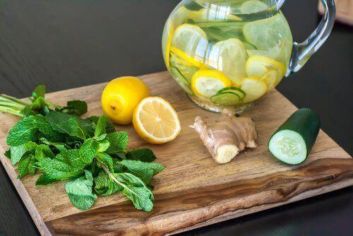 Детокс-дієта з огірком, імбиром та лимоном