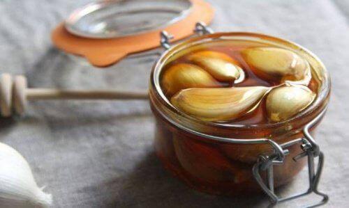 Мед і часник для лікування печінки