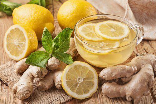 чай з імбирем та лимоном для виведення токсинів