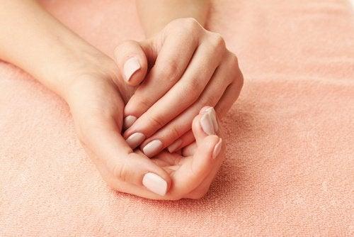жіночі руки