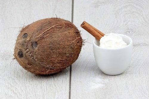 кокос та кокосове масло