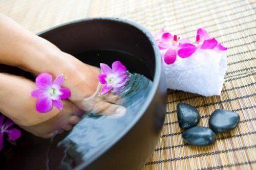 розслабляюча ванна для ніг