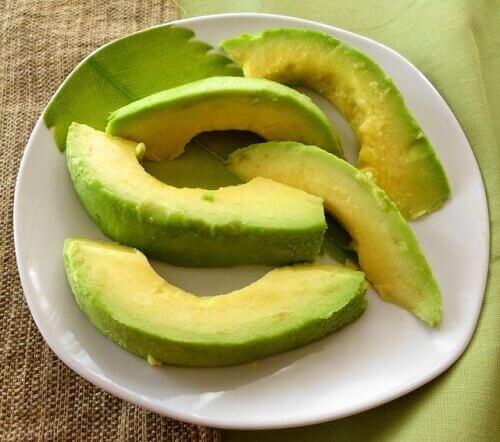 вживання авокадо