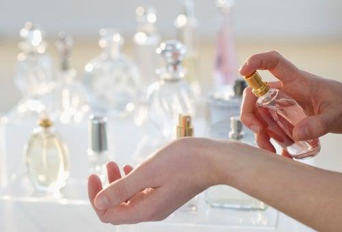 жіночі парфуми