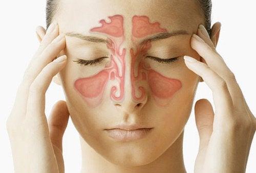 масаж обличчя в ділянці пазух носа