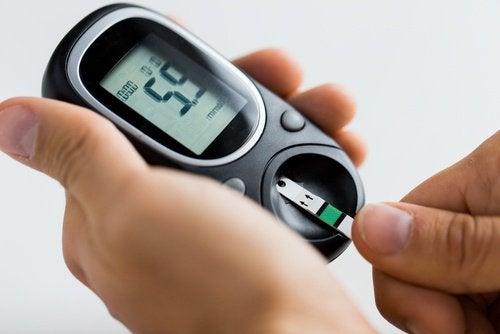 пристрій для визначення рівня цукру в крові