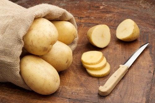 картопля для видалення іржі