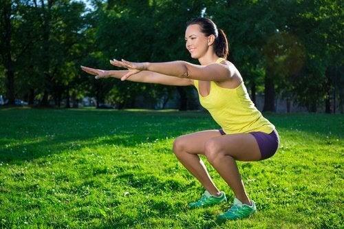6 вправ для боротьби з млявими м'язами ніг