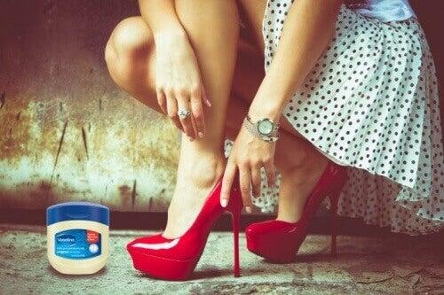 вазелін щоб не натирало взуття