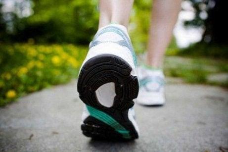 зручне взуття для ходьби