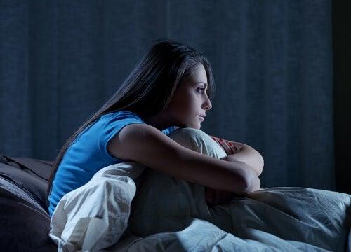 безсоння та надмірне потовиділення вночі
