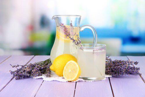 Лавандовий лимонад від головного болю