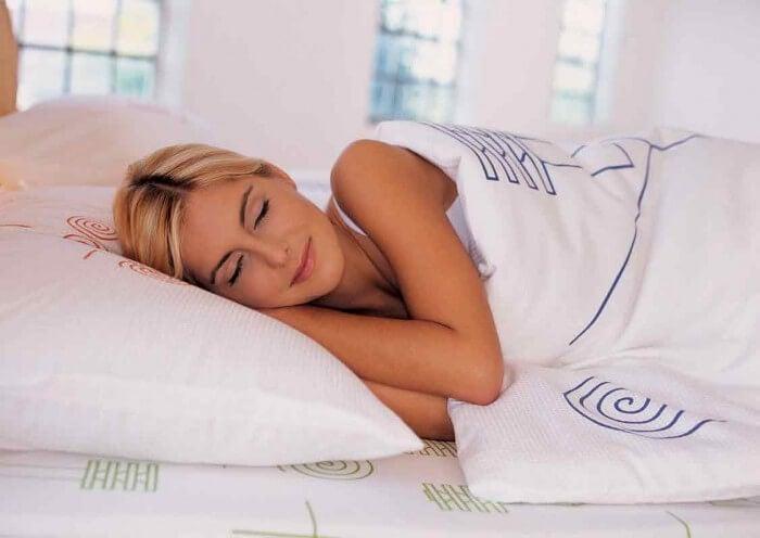 скористайтеся перевагами часнику щоб краще спати