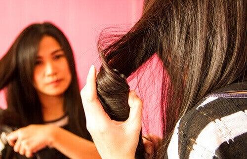 Прості зачіски, які можна робити вдома