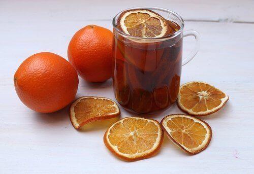 напій з апельсинами