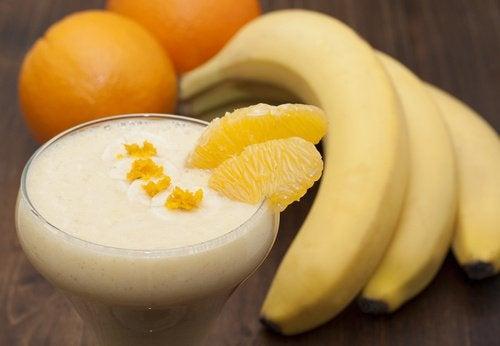 Бананово-апельсиновий напій