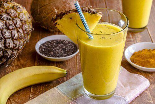 Коктейль з ананаса та насіння чіа допомагає втратити зайву вагу