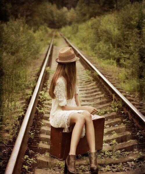 дівчина на колії