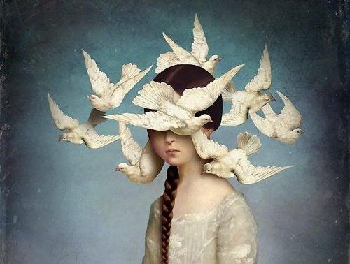 пташки літають навколо голови