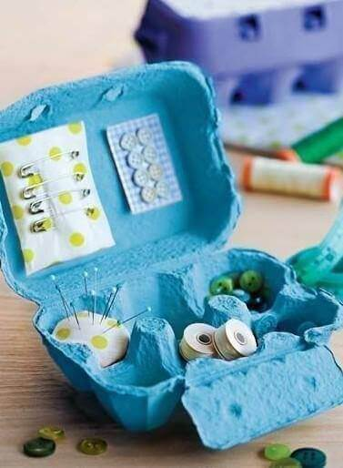 органайзер для швацького приладдя з коробки від яєць