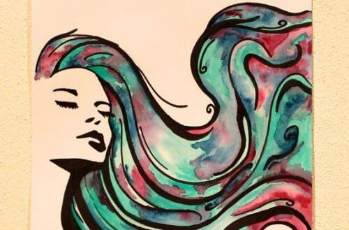 жінка з довгим волоссям