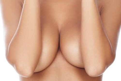 мастит одна з причин болю в грудях