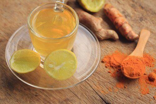 засіб з лимоном і куркумою для схуднення